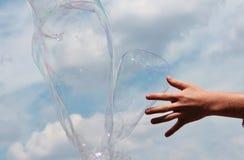 反对天空的泡影 免版税图库摄影