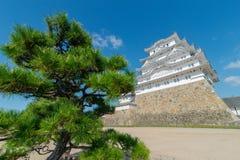 反对天空蔚蓝在姬路,兵库的姬路城设防 免版税库存图片