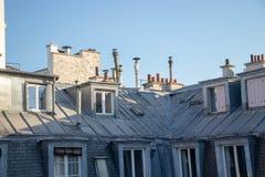 反对天空,巴黎法国的大厦 库存照片