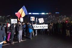 反对政府的罗马尼亚人抗议 图库摄影