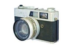 反对白色背景的老葡萄酒测距仪照相机。 免版税库存照片