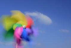 反对美丽的天空的轮转焰火 图库摄影