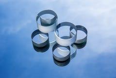 反对蓝天的光学玻璃 库存图片