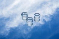 反对蓝天的光学玻璃 免版税库存图片