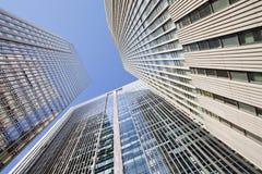 反对蓝天的摩天大楼在北京中心,中国 图库摄影