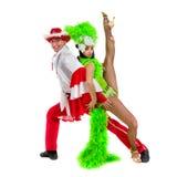 反对被隔绝的白色背景的吉普赛佛拉明柯舞曲舞蹈家夫妇跳舞 库存图片