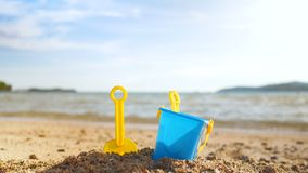 反对迷离自然海海滩摘要背景的木地板 股票录像