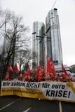 反对银行的示范在法兰克福 免版税库存图片