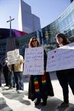 反对难民禁令的抗议在美国,达拉斯, TX 库存图片