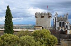 反对风暴天空的Almodovar城堡 库存照片