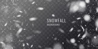 反对黑暗的背景的传染媒介现实降雪 冬天卡片的透明元素 库存照片
