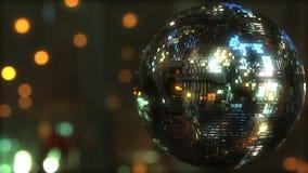 反对bokeh背景的闪烁的迪斯科球 跳舞或党相关背景 3d翻译 免版税图库摄影