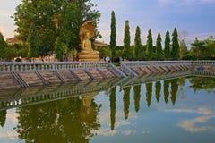 反射佛教中心Oudong 库存照片