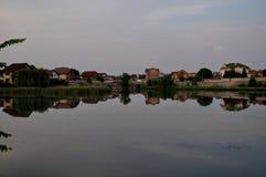 反射在一个人工湖 图库摄影
