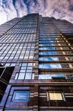 反射在一个摩天大楼在中心城市,费城, Pennsy 免版税库存图片