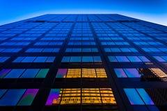 反射在一个摩天大楼在中心城市,费城, Pennsy 免版税图库摄影