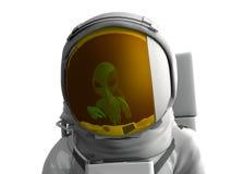 反射在太空服visore外籍人 免版税库存照片