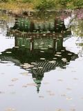 反射在水中 图库摄影