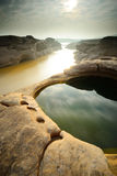 反射岩石风景在3000Bok的 库存照片
