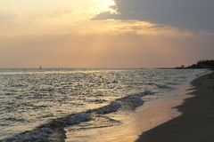 反射日落的水表面 图库摄影