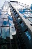 反射的天空摩天大楼 库存图片