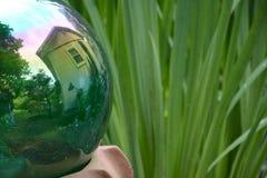反射的球 免版税图库摄影