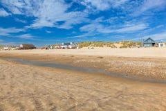 反挠度铺沙海滩英国英国 免版税图库摄影