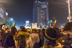 反政府抗议者在布加勒斯特 图库摄影
