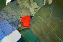 反映变形图象的瓦片导致一个抽象样式 免版税库存图片