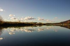 反映在湖 免版税库存图片