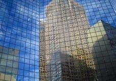 反映摩天大楼 免版税库存图片