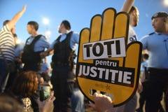 反罗马尼亚` s上面法院抗议,布加勒斯特,罗马尼亚- 5月30日20日 库存图片