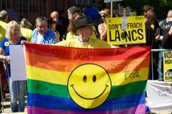 反Fracking抗议的一个抗议者在普雷斯顿 库存照片