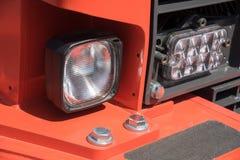 发信号从一辆重型卡车的前灯的 免版税图库摄影