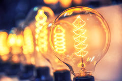 发光为抽象bac的美丽的减速火箭的豪华电灯泡装饰 免版税库存照片
