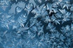 发光的冬天窗冰装饰 库存图片