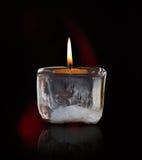 发光的哀悼的蜡烛 免版税库存照片