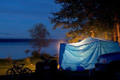 发光的帐篷 库存照片