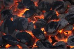 发光的烤肉煤炭 免版税库存图片