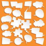 发光的白皮书为在橙色背景的讲话起泡 免版税库存照片