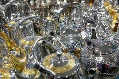 发光的茶罐阿拉伯样式咖啡荚 库存照片