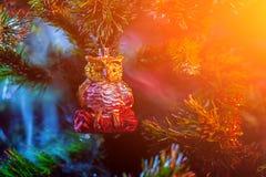 发光的装饰圣诞节球 免版税库存照片