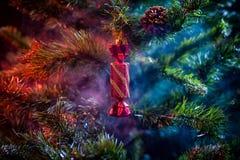 发光的装饰圣诞节球 图库摄影