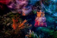 发光的装饰圣诞节球 免版税库存图片