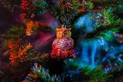 发光的装饰圣诞节球 库存照片