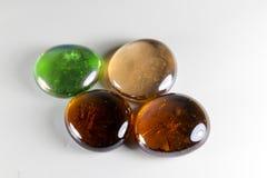 发光的透明小卵石石头 免版税库存图片