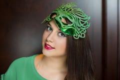 发光的绿色面具 免版税图库摄影