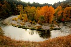 发光秋天的河 图库摄影