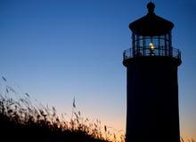 发光顶头轻的灯塔北部 库存照片