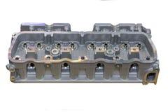 发动机在白色背景和汇编以后的气缸盖隔绝的机器 免版税库存照片